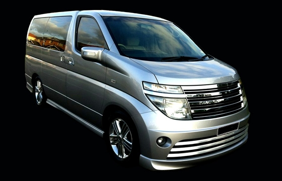 LeGrand Limousine Central - Melbourne - Nissan ElGrand Rider seats 5 passengers in luxury people mover hire 011