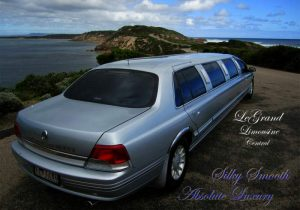 800 x 560 legrand-limousine-central-ford-ltd-super-stretch-limousine-hire